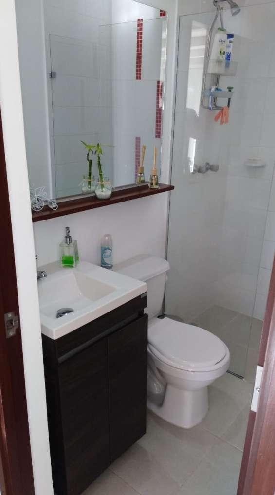 Baño (vidrio templado)